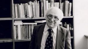 Chimen Abramsky atesoró en su casa dos bibliotecas completas, una marxista y otra judía. (CC)